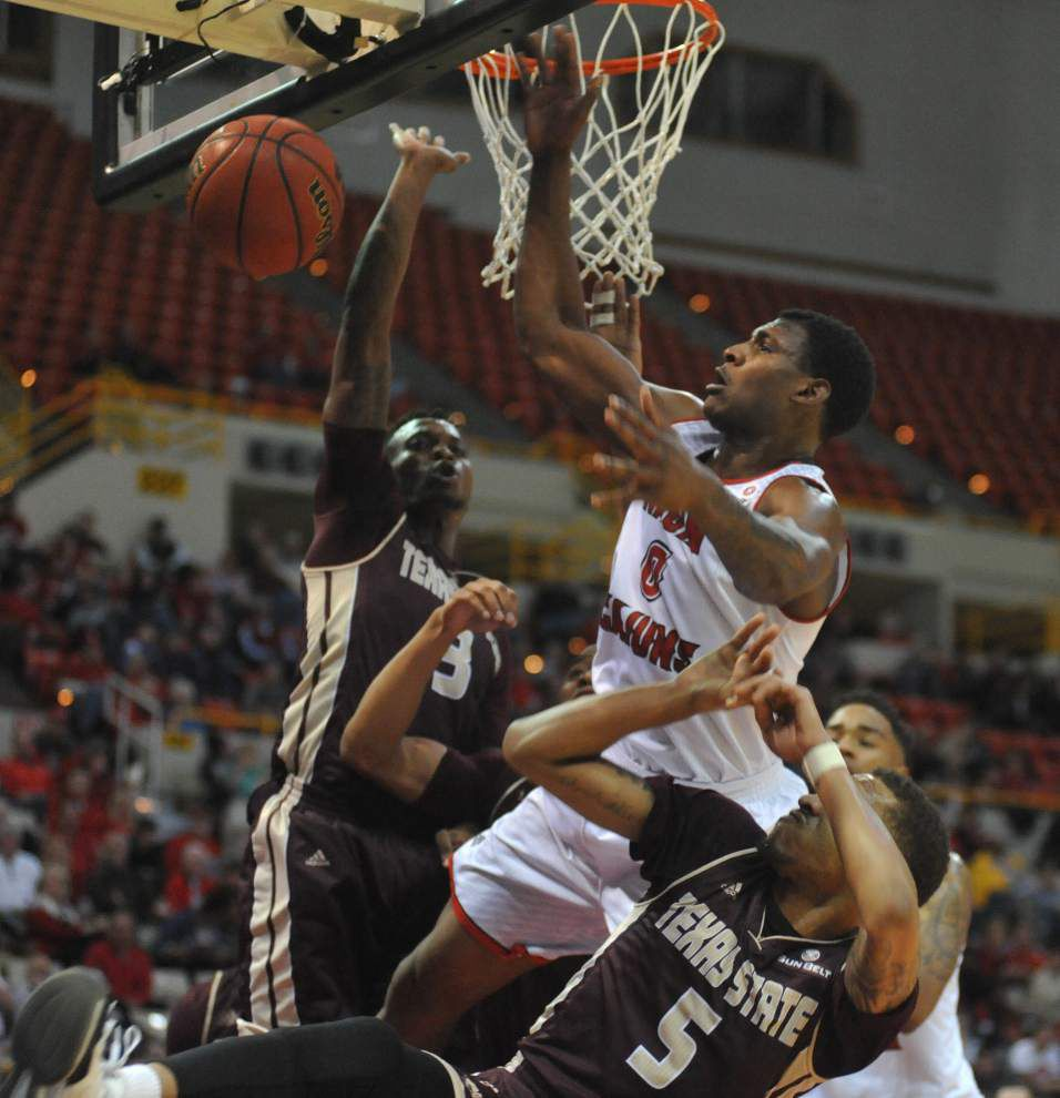 Cajuns out Texas State, push winning streak to five _lowres