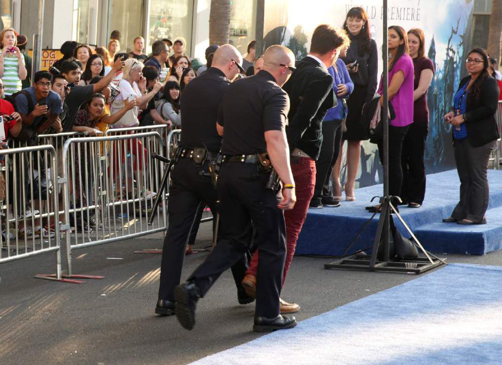 Fan-fueled red carpets present security challenge _lowres