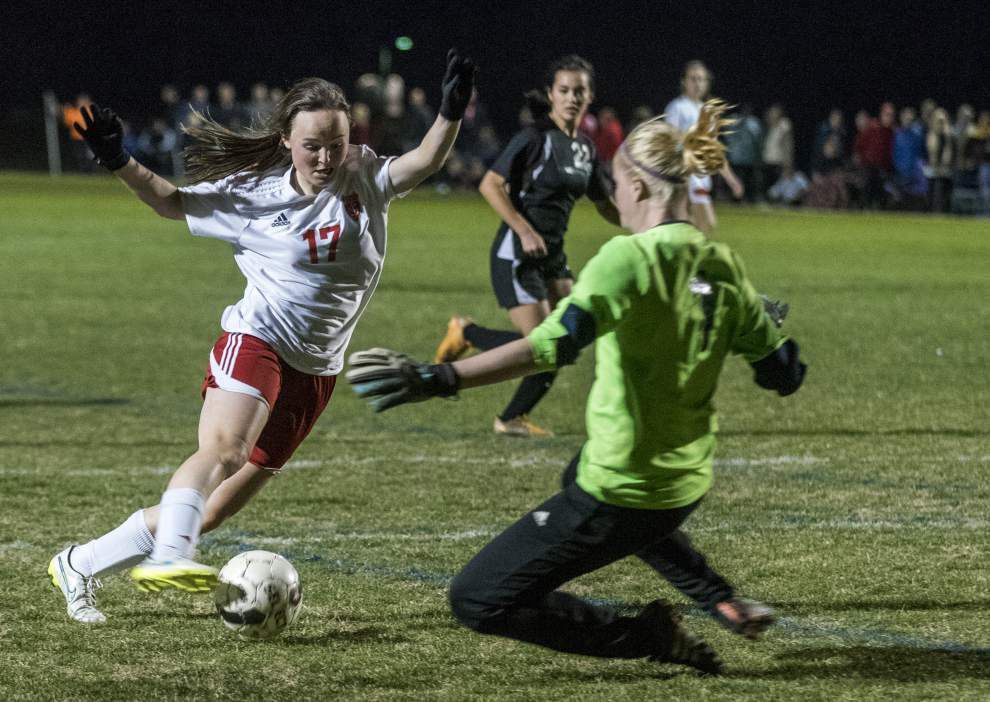 St. Joseph's youngsters spark girls soccer team victory _lowres