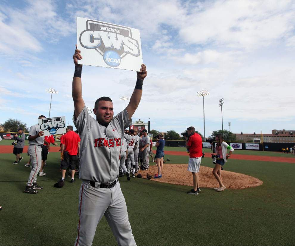 Vandy sails on into CWS _lowres
