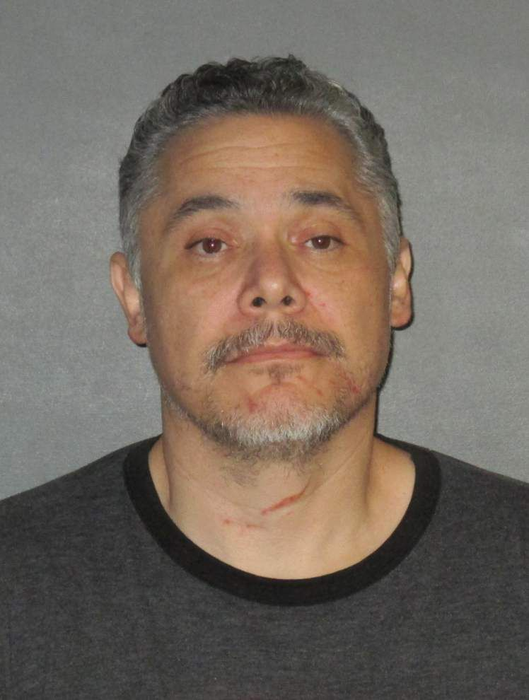 EBR Sheriff's Office: Husband calls 911, says he strangled wife to death, waits on lawn for deputies _lowres