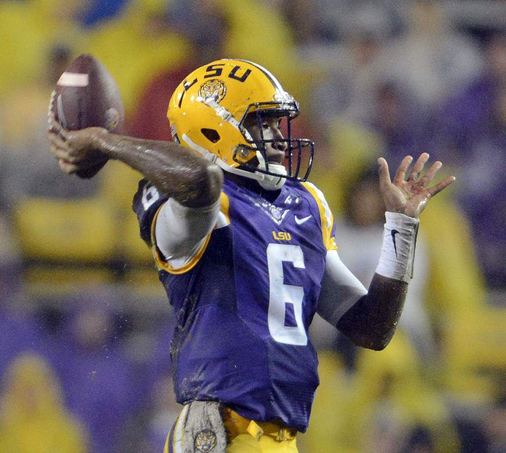 Photos: Rain, puddles and another big win in Tiger Stadium as LSU hosts Western Kentucky _lowres