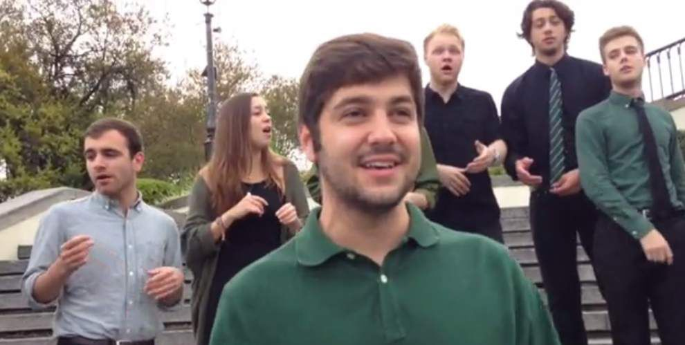 Video: Tulane a capella group sings to Crescent City Classic runners _lowres