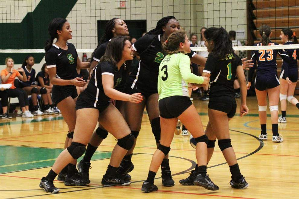 Limits tested at McKinley volleyball jamboree _lowres