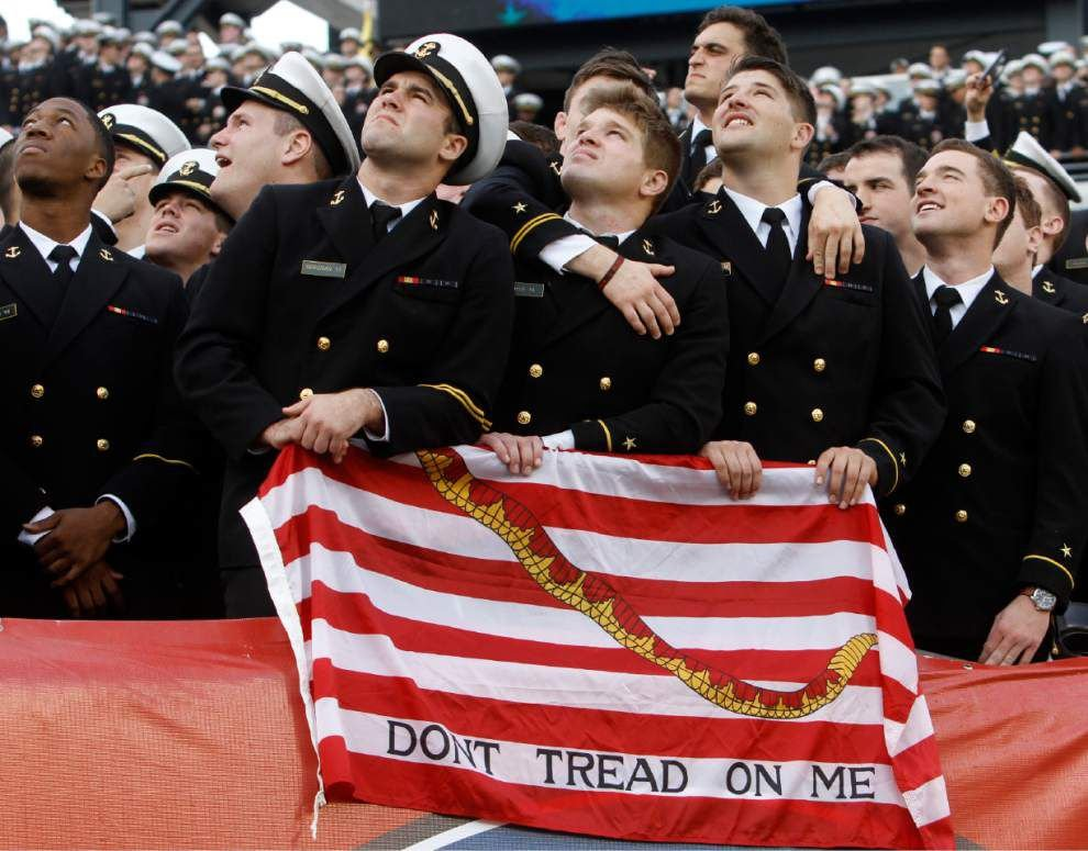 Keenan Reynolds and No. 21 Navy beat Army 21-17 _lowres