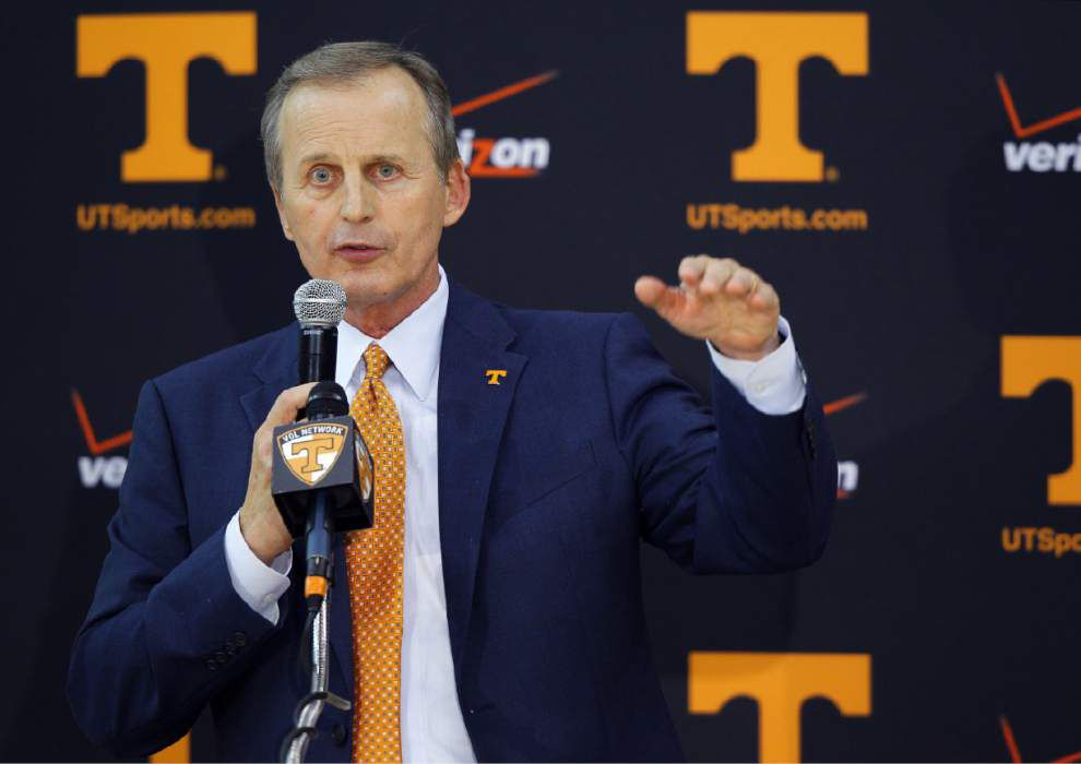 Tennessee makes it official, hires ex-Texas coach Rick Barnes _lowres