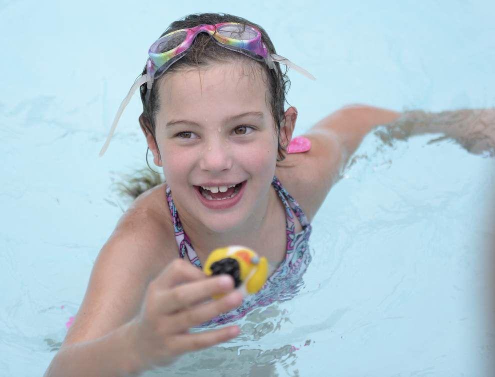Jefferson Terrace swim team educates, entertains families _lowres
