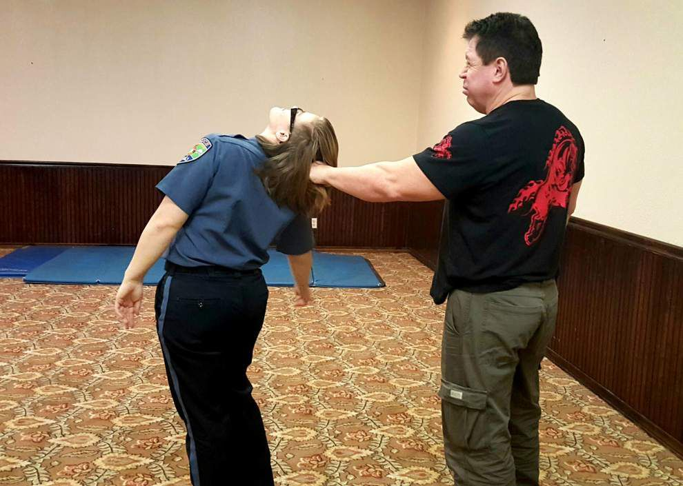 St. Francisville police host self-defense classes _lowres