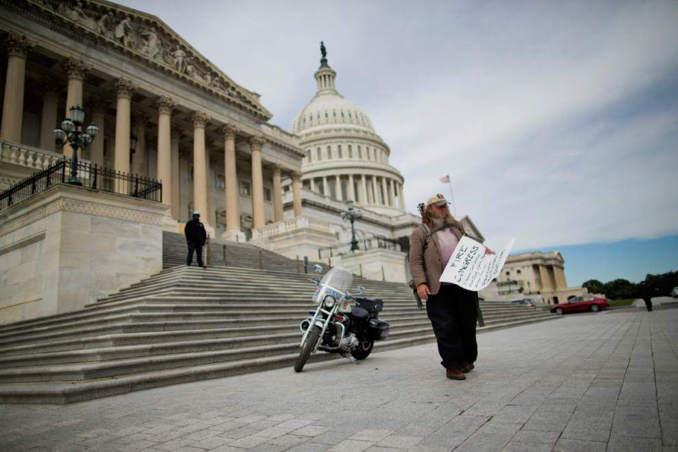 Poll: Americans have little faith in government _lowres