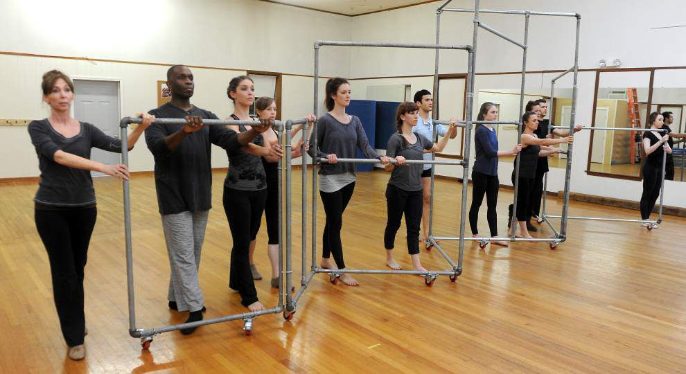 Dance company presents contemporary version of 'Romeo + Juliet' _lowres
