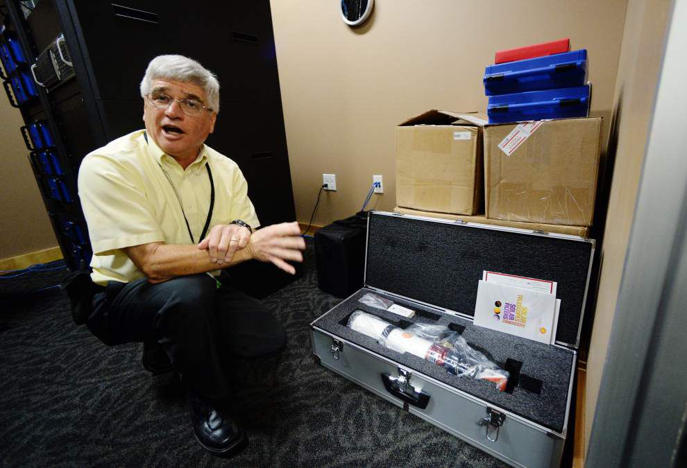 $60,000 worth of new cutting-edge equipment to put Lafayette Science Museum Planetarium on the map _lowres