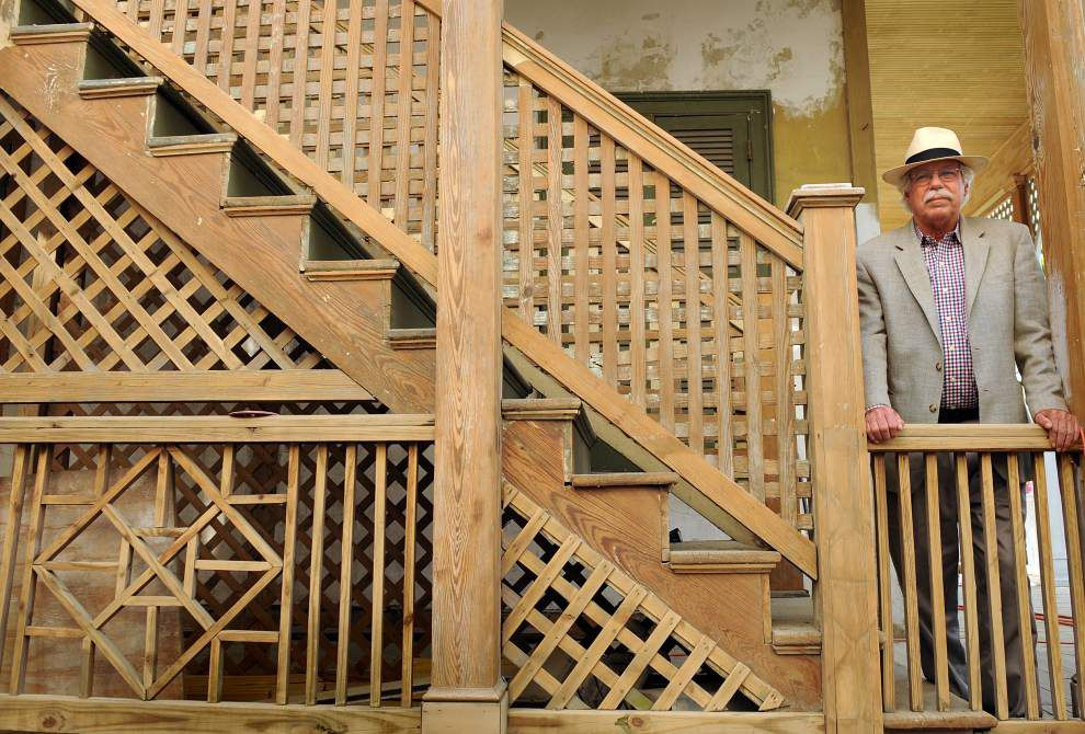 Homeowners show off progress, give tips at Renovators' Happy Hour _lowres