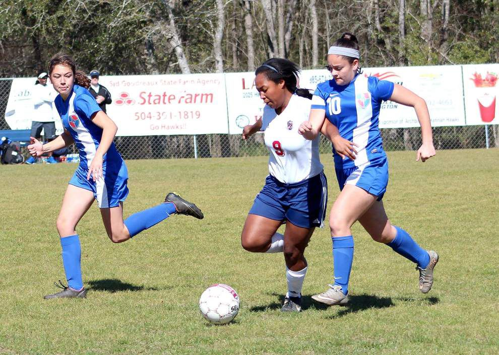 Hannan advances to Division IV girls soccer semifinals with hard-fought win over Country Day _lowres