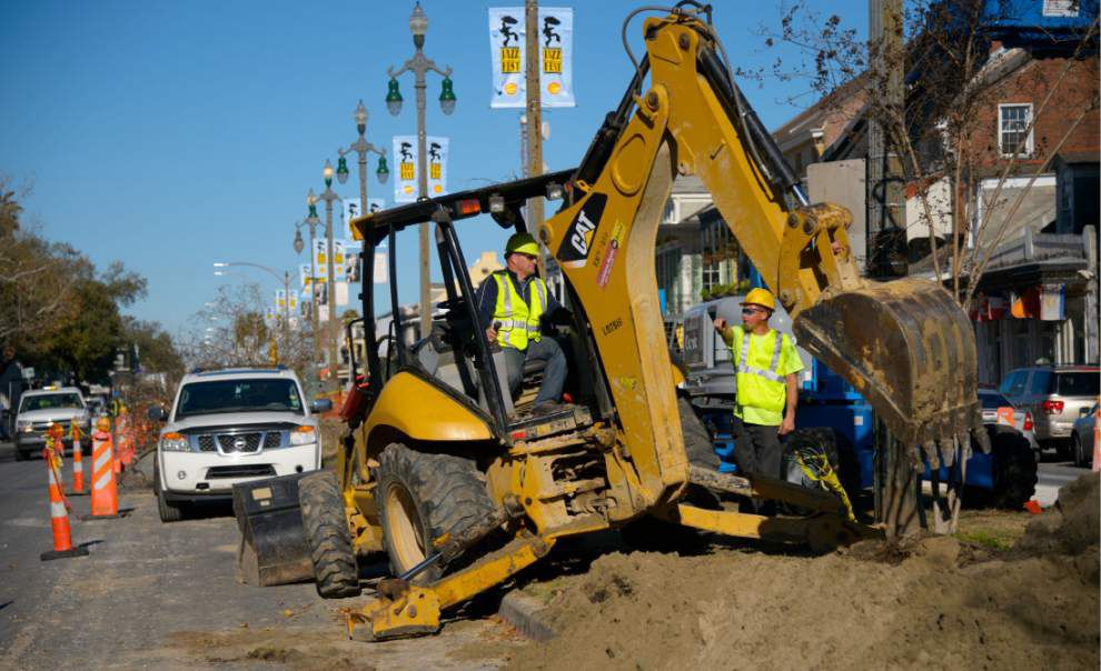 Feeling those bad vibrations: Residents complain about Rampart streetcar line work _lowres