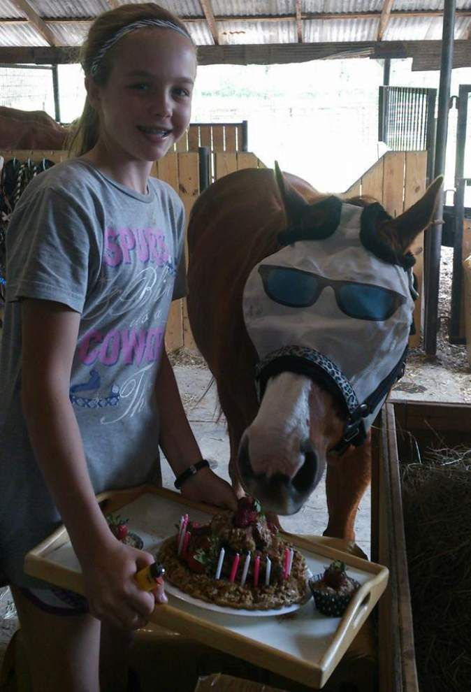 Slaughter girl, 12, completes adult master horseman class _lowres