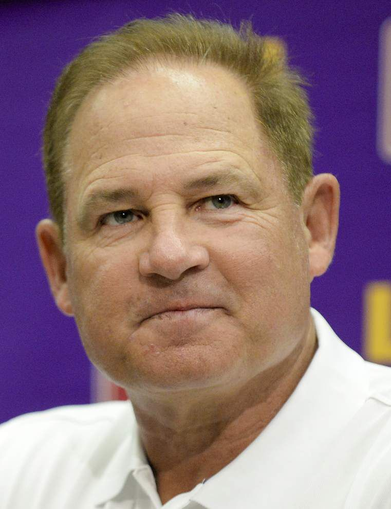 LSU true freshman Toby Weathersby 'deserves to play' on the offensive line, Les Miles says _lowres