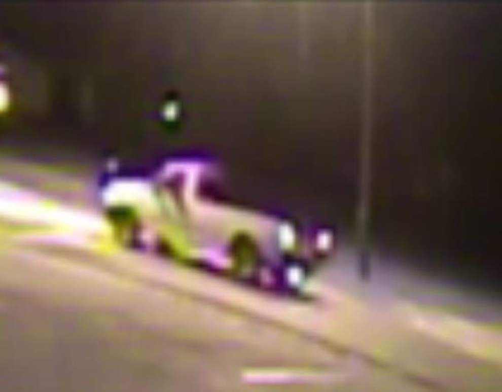 Lafayette Police seeking information on white pickup truck seen in area of Thursday shooting death _lowres