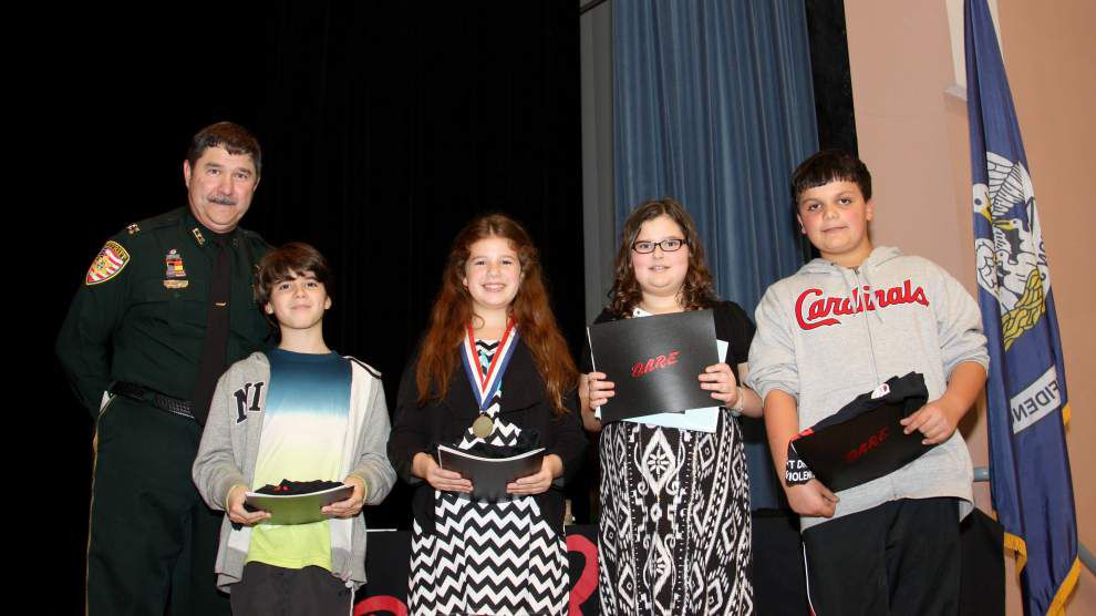 Runnels D.A.R.E. graduates honored at program _lowres