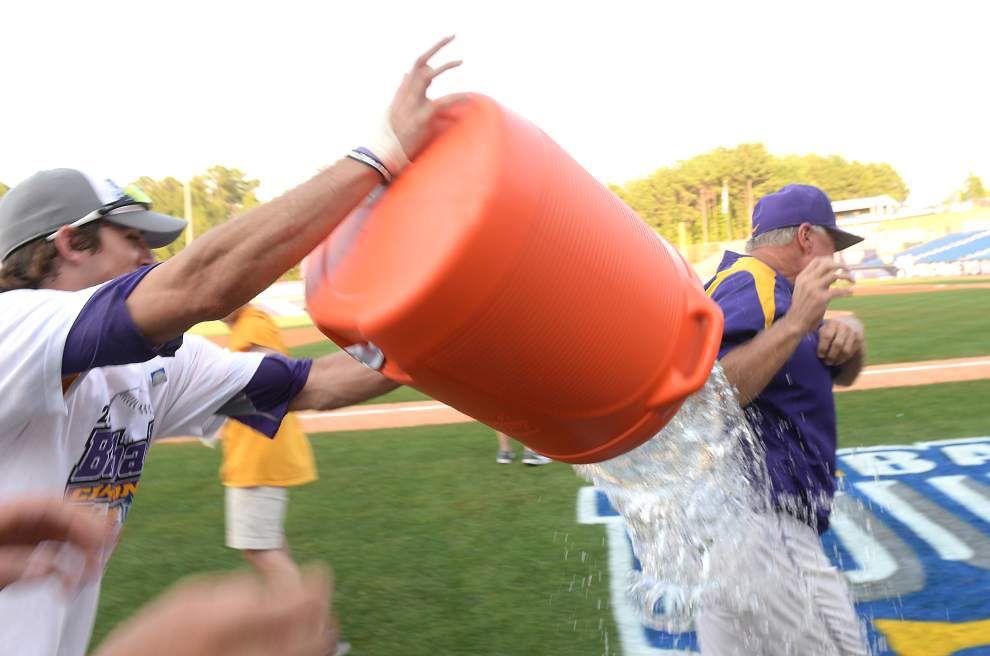 Photos: SEC Tournament champs _lowres