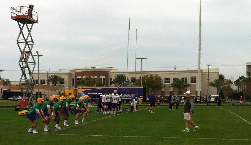 LSU gets settled at bowl practices in Tampa _lowres