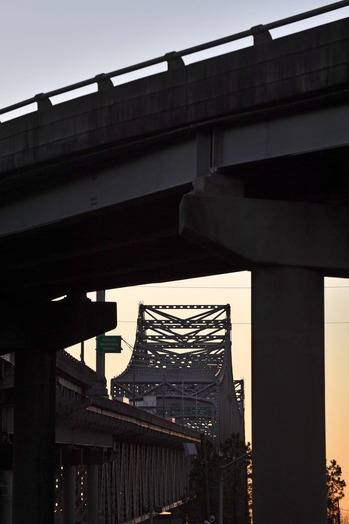 bridgesilhouette.adv_HS_072