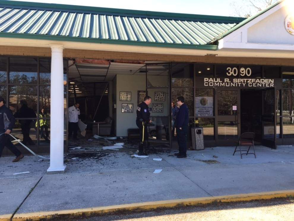 Four injured after car crashes into Mandeville Community Center on Monday morning _lowres