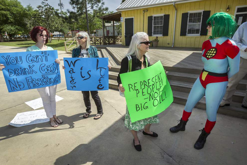 Fracking opponents pack two St. Tammany meetings _lowres