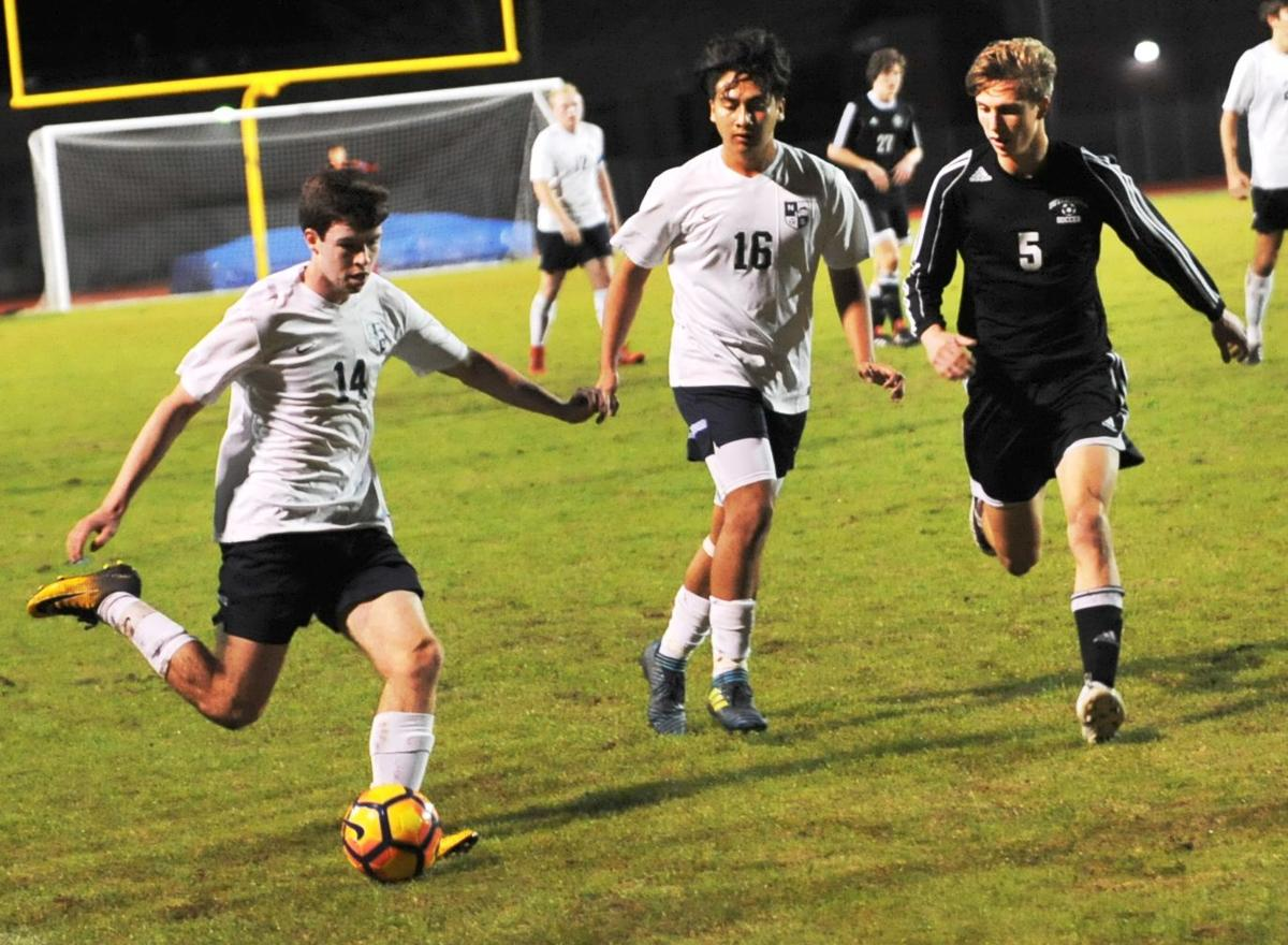Northshore boys soccer pushes into state quarters