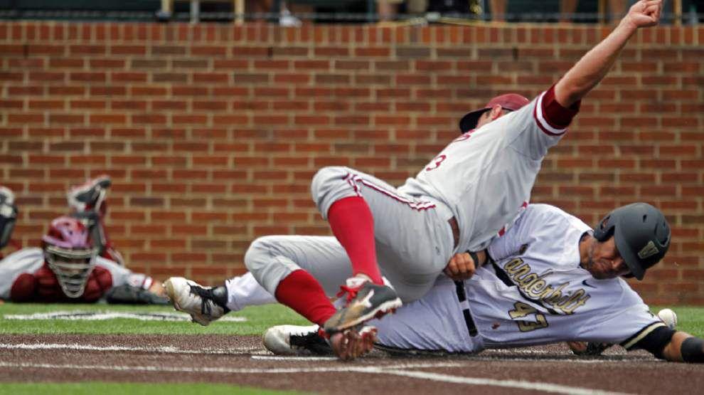 Super regionals: Texas tops Houston; Vanderbilt trumps Stanford _lowres
