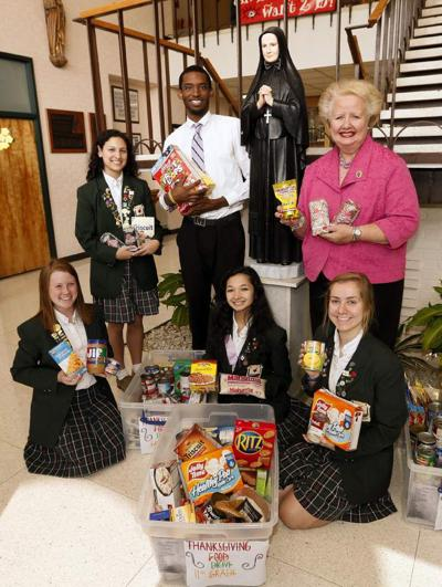 Cabrini High School food drive will benefit Hispanic immigrants _lowres