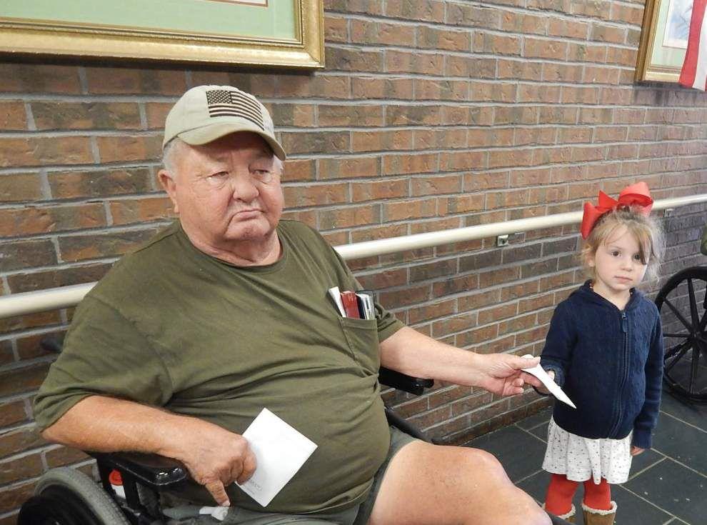 Head Start students visit veterans _lowres