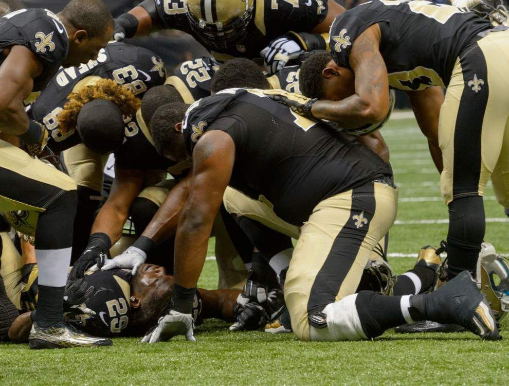 Saints running back Khiry Robinson out for season with fractured tibia _lowres