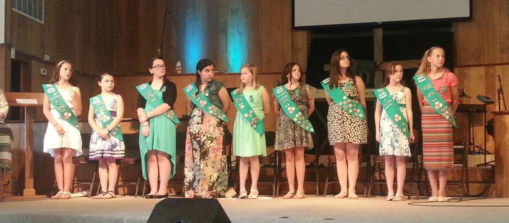 Girls Scouts honored with Bronze Award _lowres