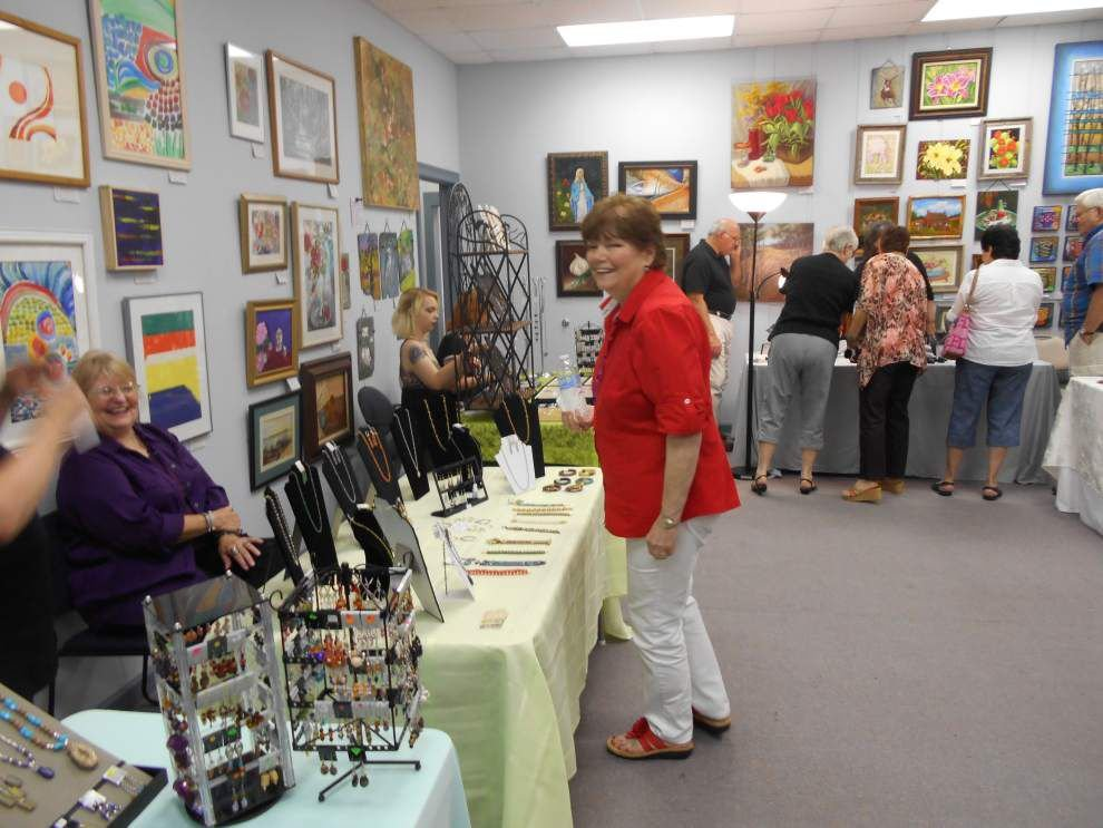 Jewelers blend bling at RRAA show _lowres