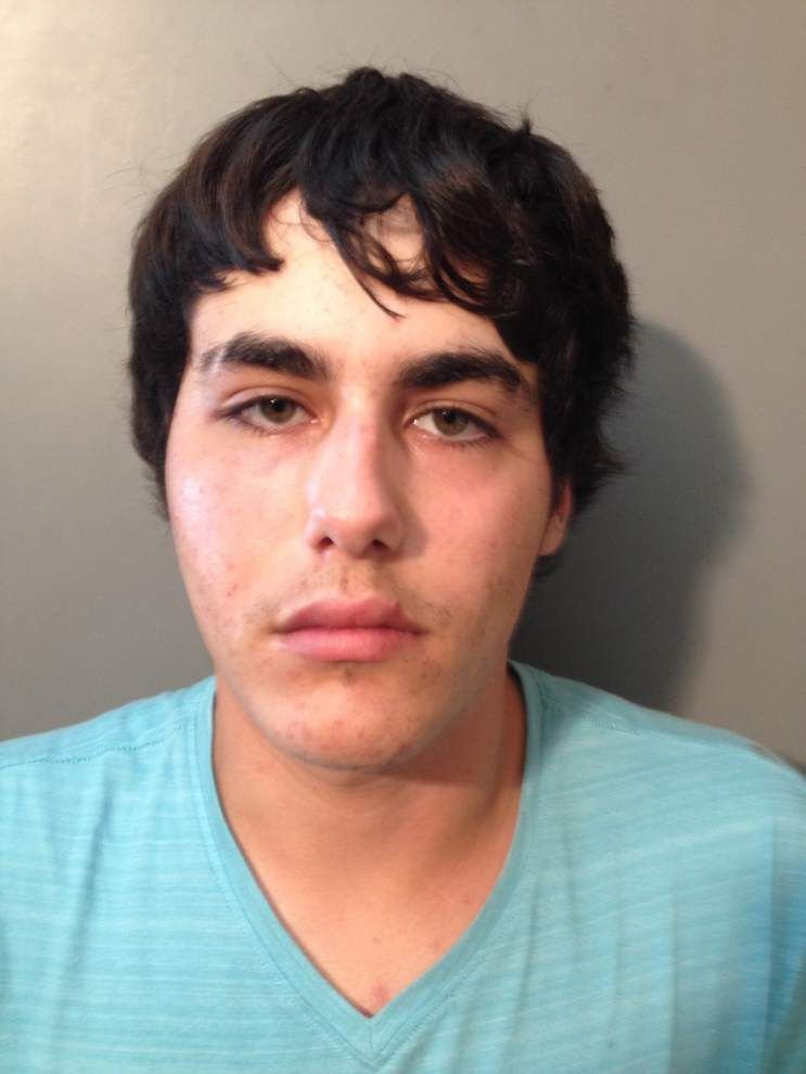 Man booked after fleeing from Assumption deputies in drug sting _lowres