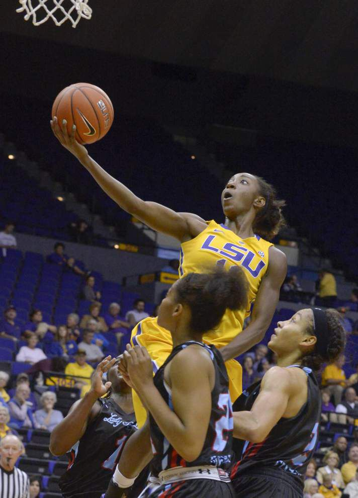 LSU's Raigyne Moncrief doubles up _lowres