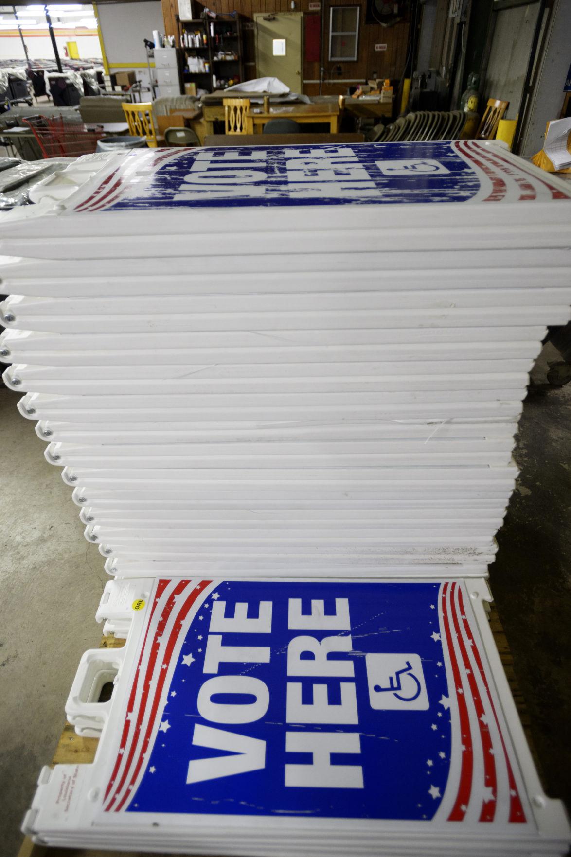 NO.pollingmachines.101417.0004.JPG