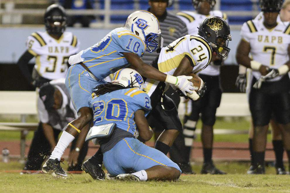 Photos: UAPB battles Southern _lowres