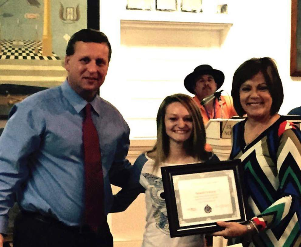 Area students receive Honesty and Integrity awards _lowres
