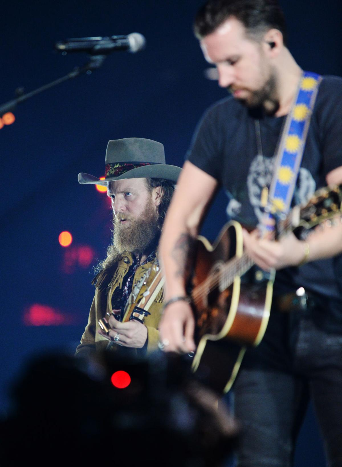 Luke bryan was his steady self the brothers osborne rattled the luke bryan was his steady self the brothers osborne rattled the walls at new orleans show keith spera theadvocate malvernweather Image collections
