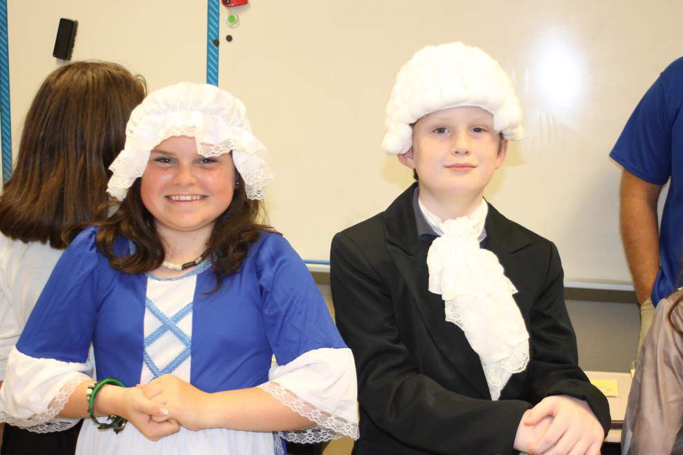 Fourth-graders live out American history _lowres