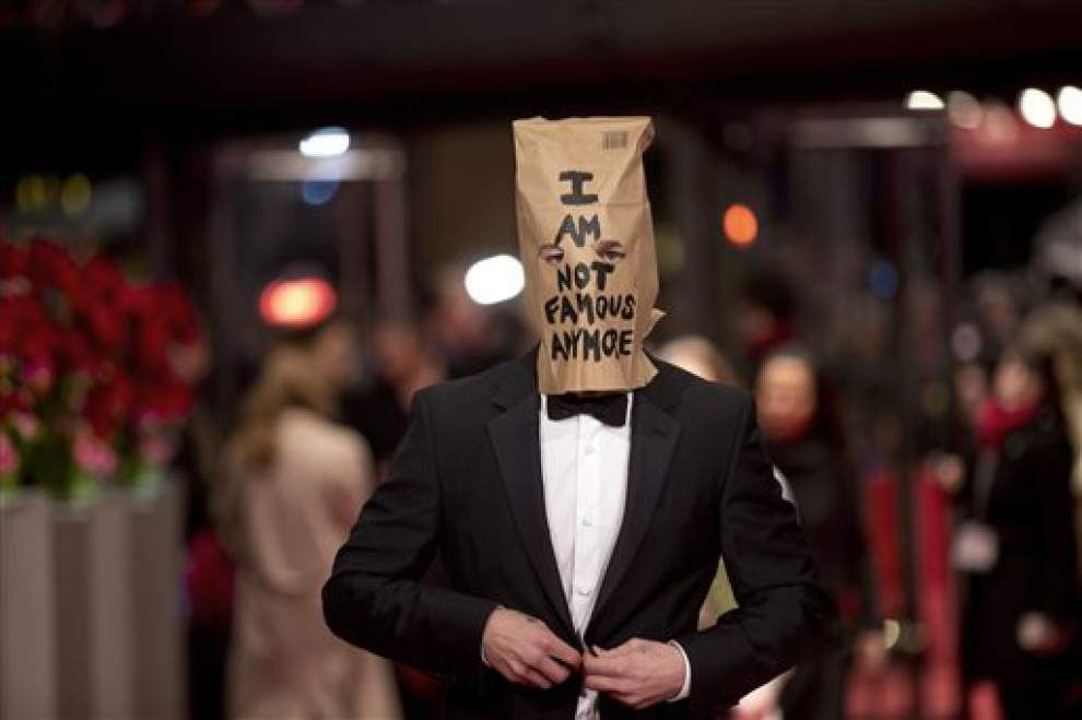 LaBeouf's paper-bag art stunt draws curious crowd _lowres