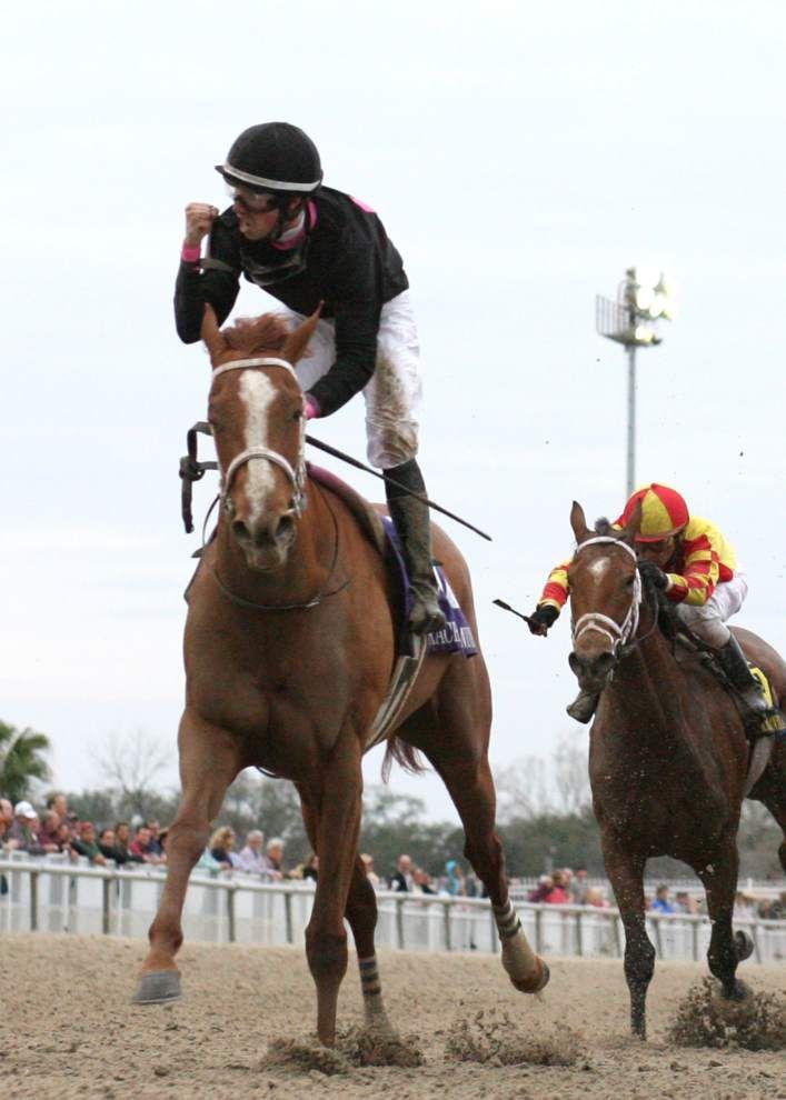 Jones-trained fillies finish 1-2 in Rachel Alexandra _lowres