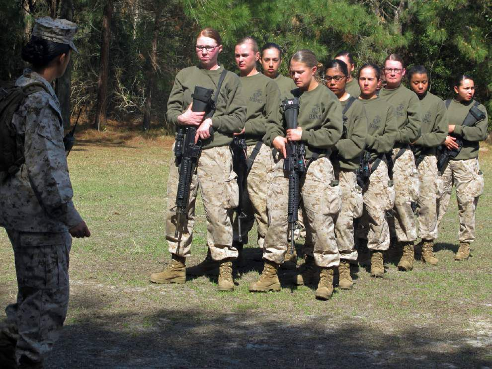 Marines delay female fitness plan after half fail _lowres