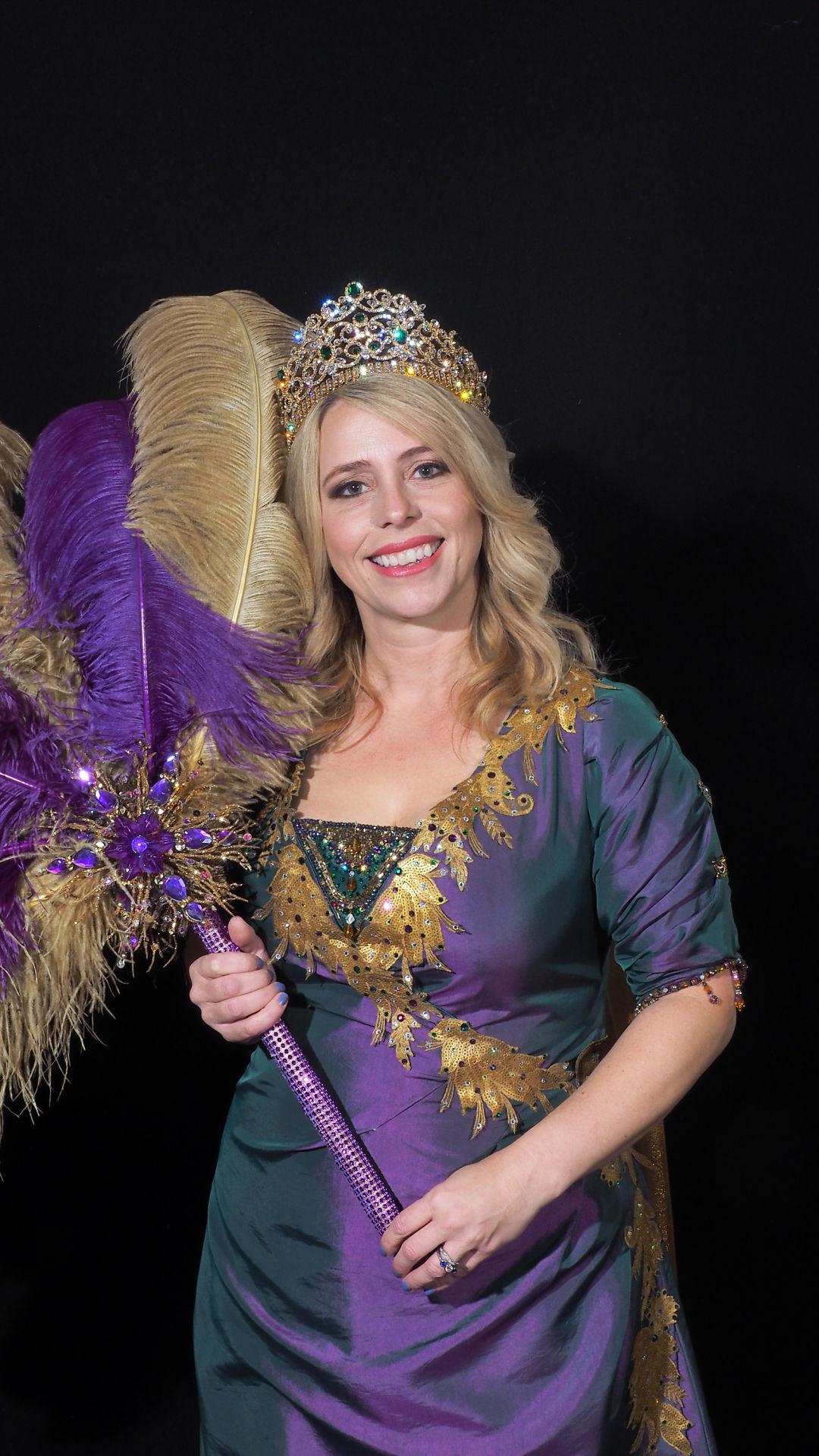 Queen CC Kahr Wallis.jpg