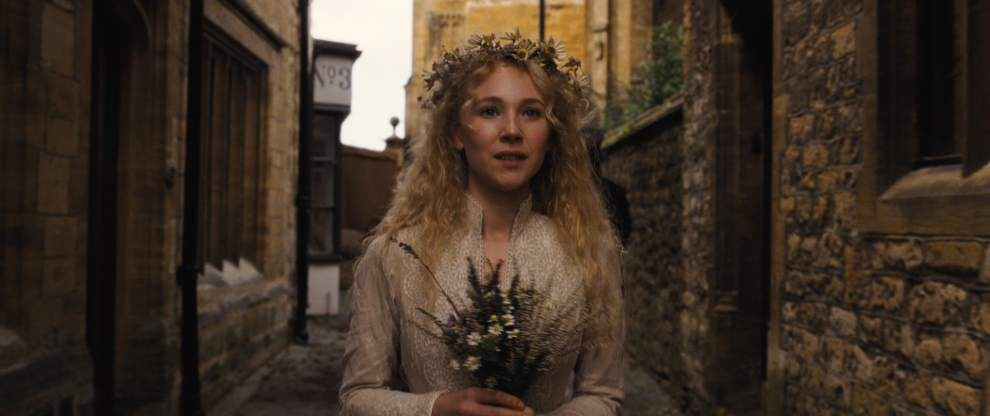 Juno Temple sinks herself into 'Madding' role _lowres