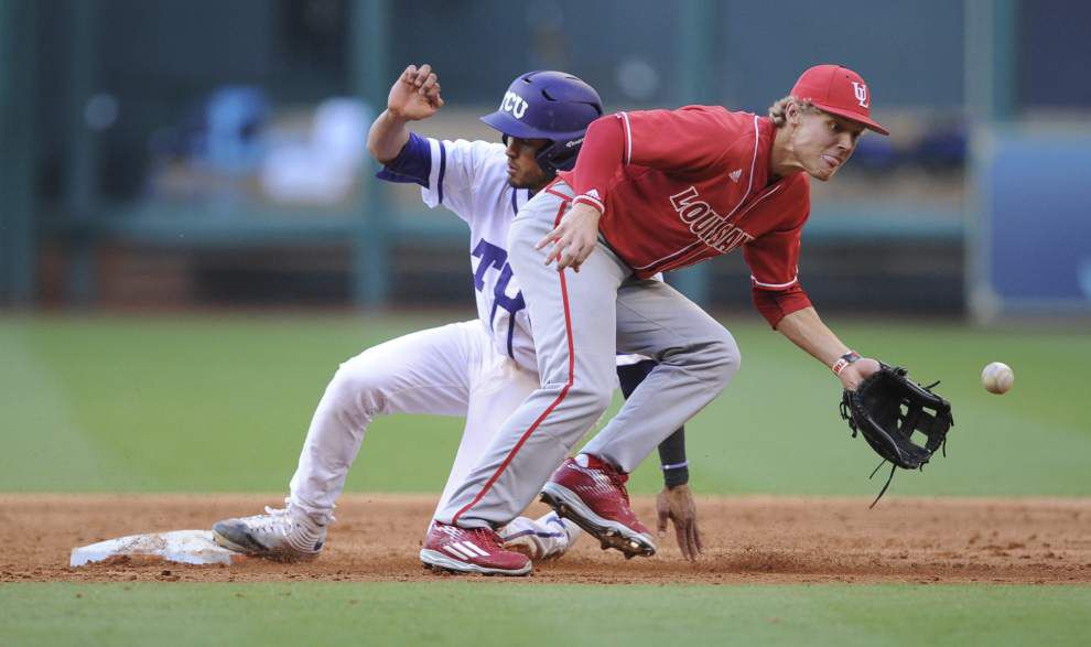 Eric Carter holds his own out of bullpen during loss to TCU _lowres