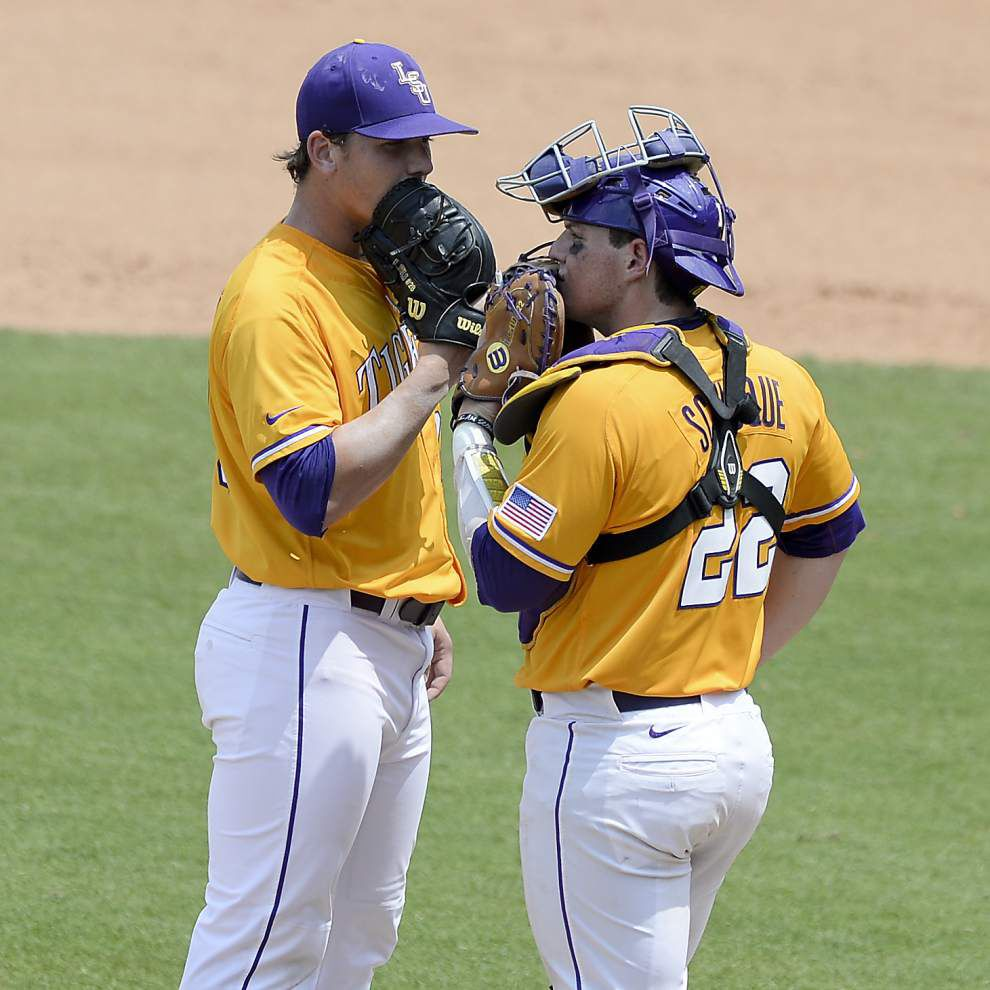 LSU baseball postgame: Tigers defeat Tennessee 9-4 _lowres