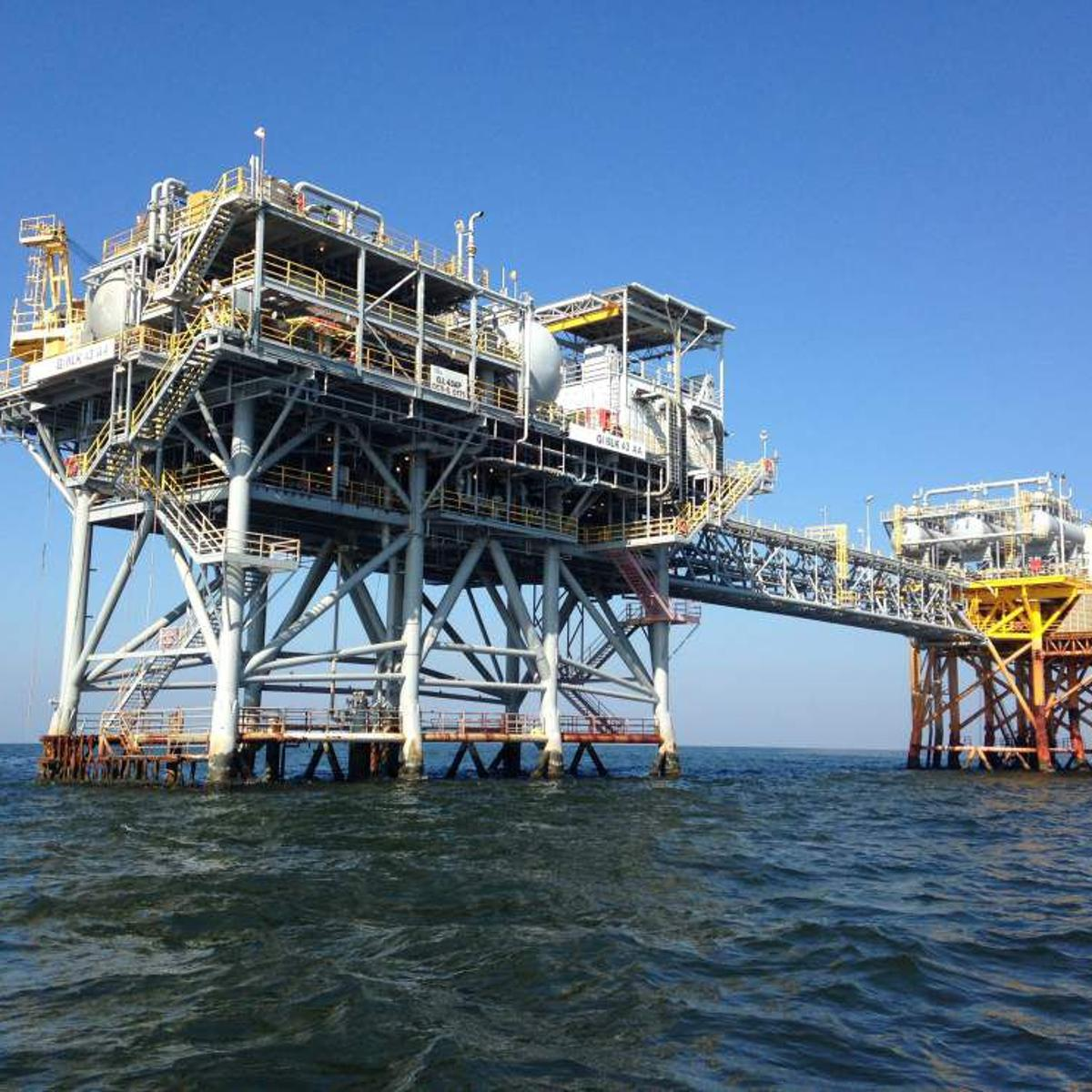 U S  House advances legislation to restrict offshore oil