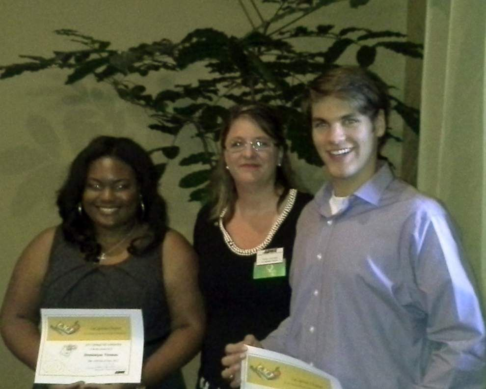 Women's business group Baton Rouge area chapter awards scholarships _lowres